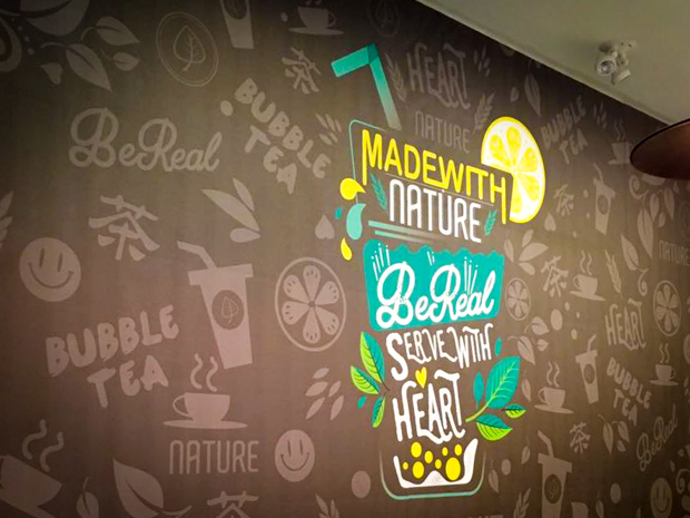 <strong>Real Fruit Bubble Tea<span><b>in</b>Wall Murals </span></strong><i>→</i>