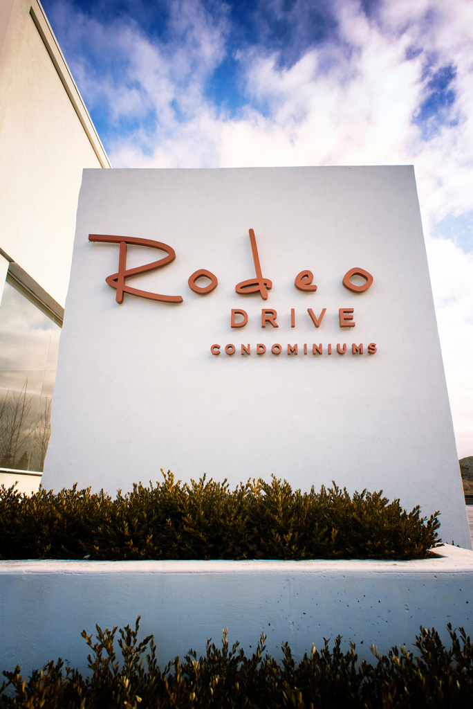 <strong>Rodeo Drive Presentation Centre<span><b>view larger</b></span></strong><i>→</i>