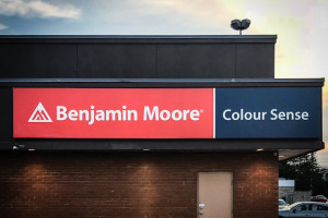 <strong>Benjamin Moore / Colour Sense<span><b>in</b>Awning </strong><i>→</i>
